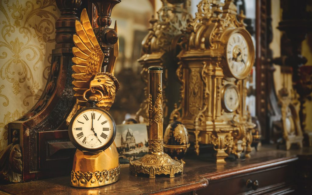 wholesale markets of antiques
